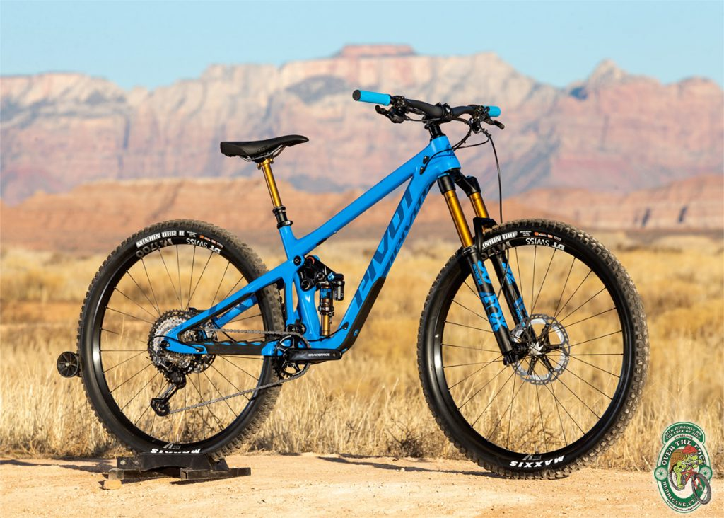 2020 Pivot Switchblade