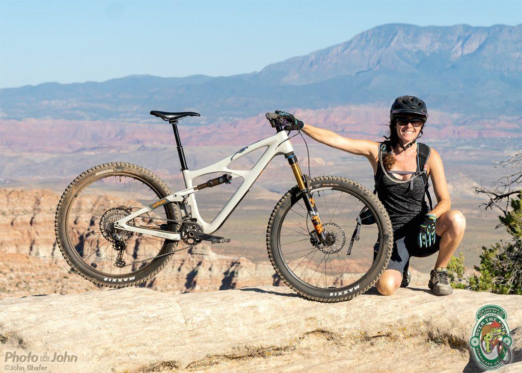 Ibis Mojo 4 Mountain Bike Glamor Shot